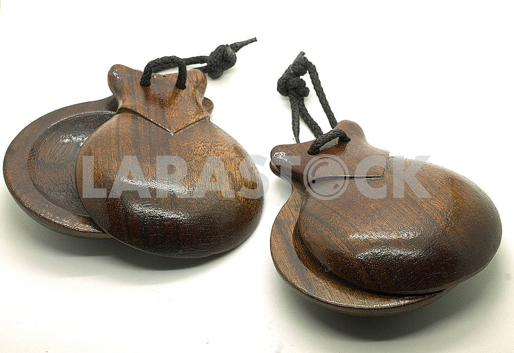 Castanets — Image 49833