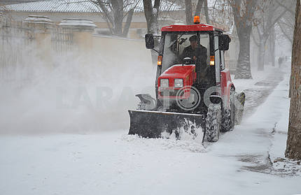 Snowplow on Nikolaeva st.