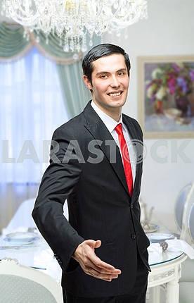 Молодой человек представитель
