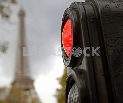 Traffic lights and Eiffel Tower