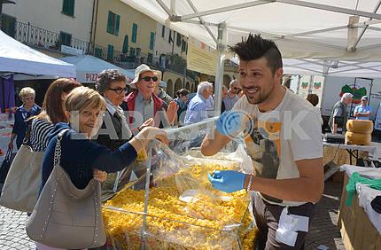 Seller paste in Strada in Chianti