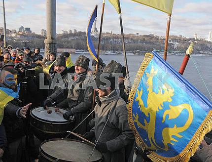 Drummers on the Patona Bridge