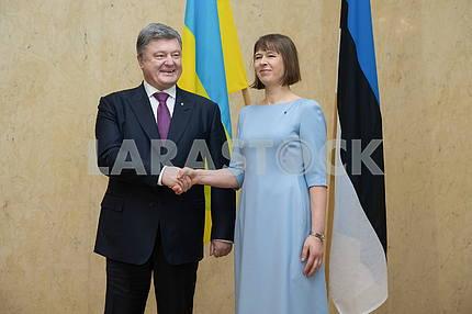 Президенты Эстонии и Украины Керсти Кальюлайд и Петр Порошенко