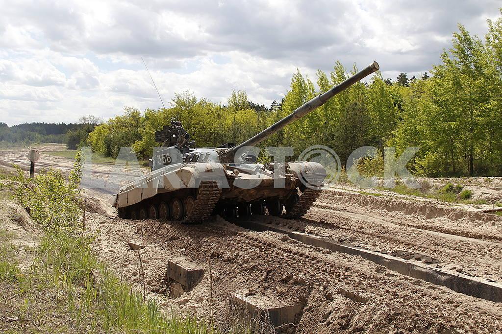 Tank T 64 — Image 50646
