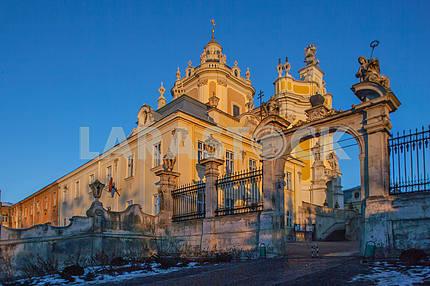 Ворота собора Святого Юра