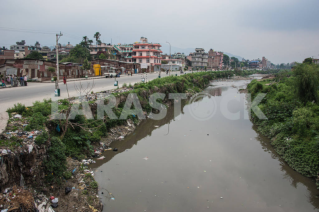 Dead Bagmati river turned into a dustbin. — Image 50773