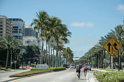 Miami Street - Bal Harbour