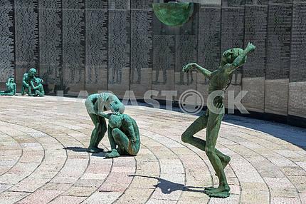 Мемориальная стена жертвам Холокоста в Майами