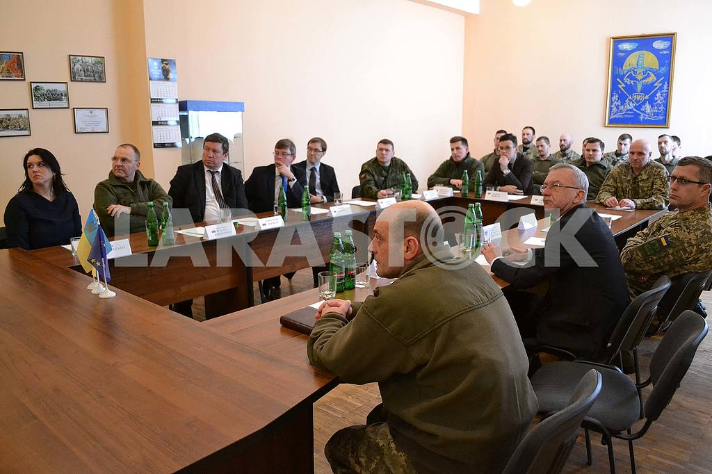 The official delegation of the Ministry of Protection of the Territory of the Republic of Lithuania in one of the parts of the Special Operations Forces of the Armed Forces of Ukraine — Image 50947
