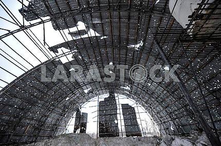 The destroyed hangar in Avdeevka