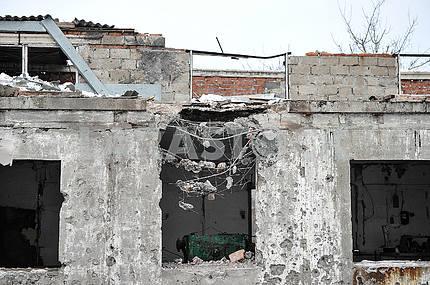 Ruined building in Avdeevka