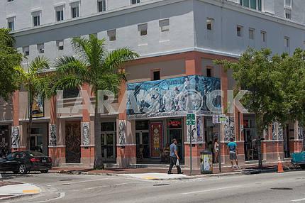 Кубинский музей и центр исполнительских видов искусства. Майами