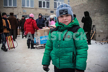 Distribution of humanitarian aid in school №3 of the city of Avdeevka.