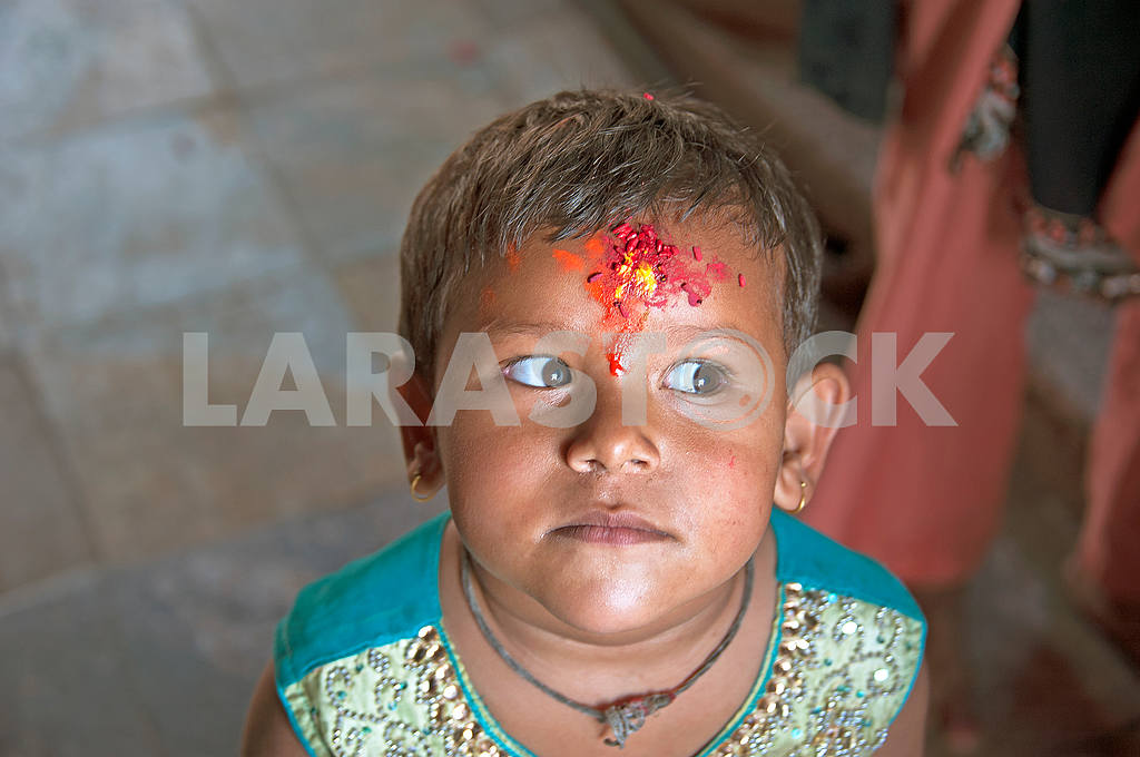 Nepalsky boy with ritual applied tilak — Image 51386