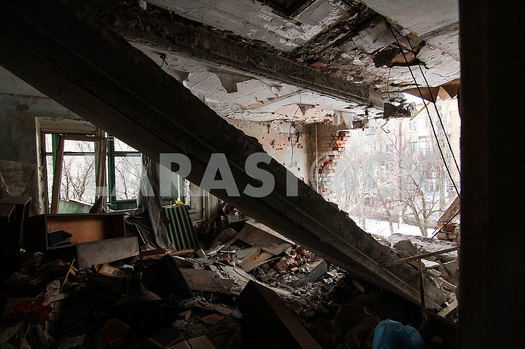 Destroyed apartment in Avdeevka — Image 51503