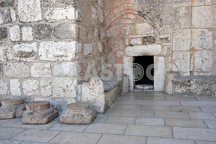 Bethlehem Basilica of the Nativity, Entrance
