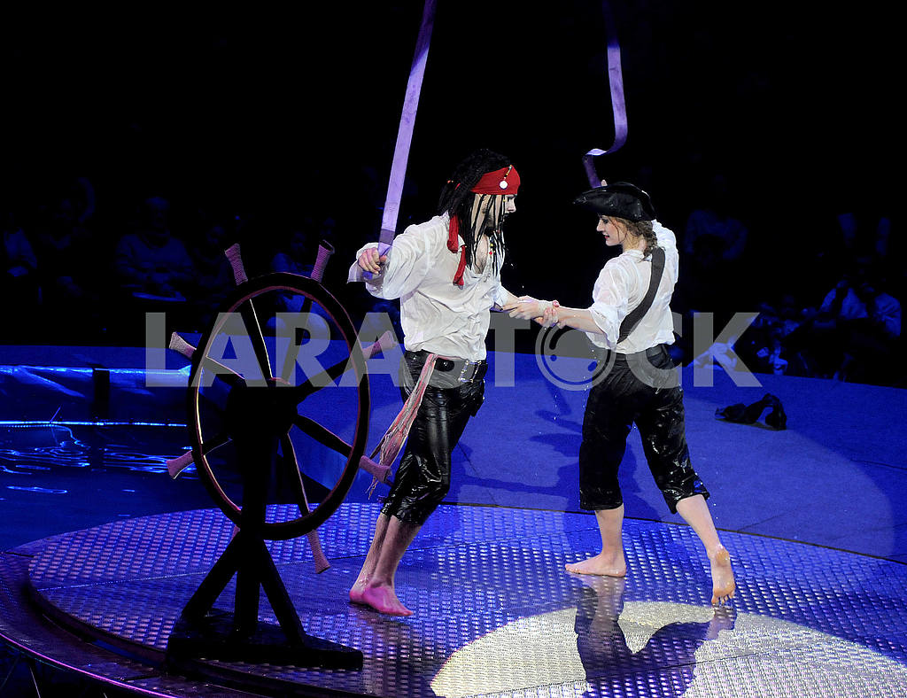 """Circus on the water with the play """"Water and Fire"""" — Image 51655"""