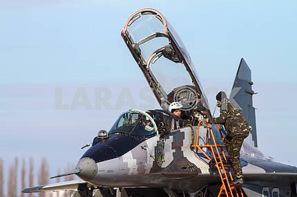 Pilot and aircraft mechanic