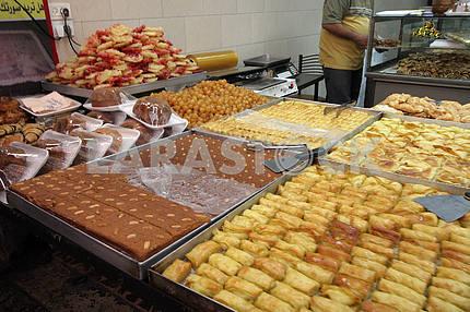 Вкусные сладости на рынке Иерусалима