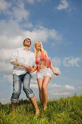Счастливый молодой любви пара