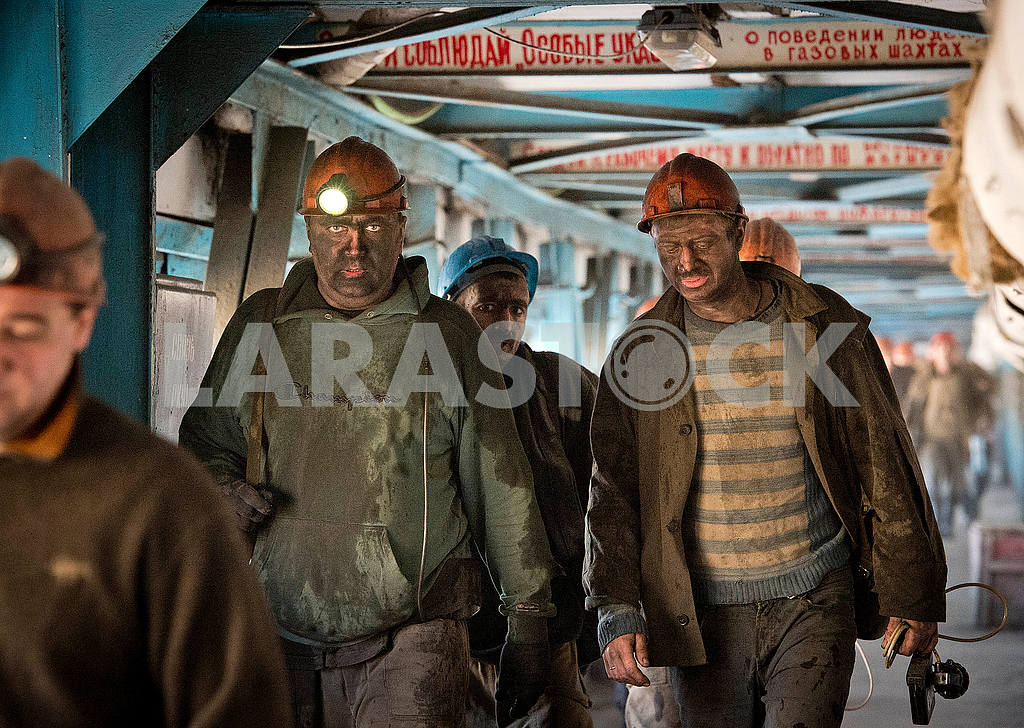 Miners come out of the face — Image 52076