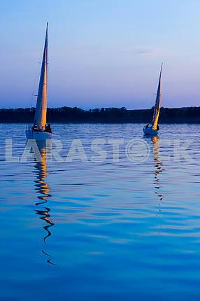 Две яхты на закате , Солнце парус,  море