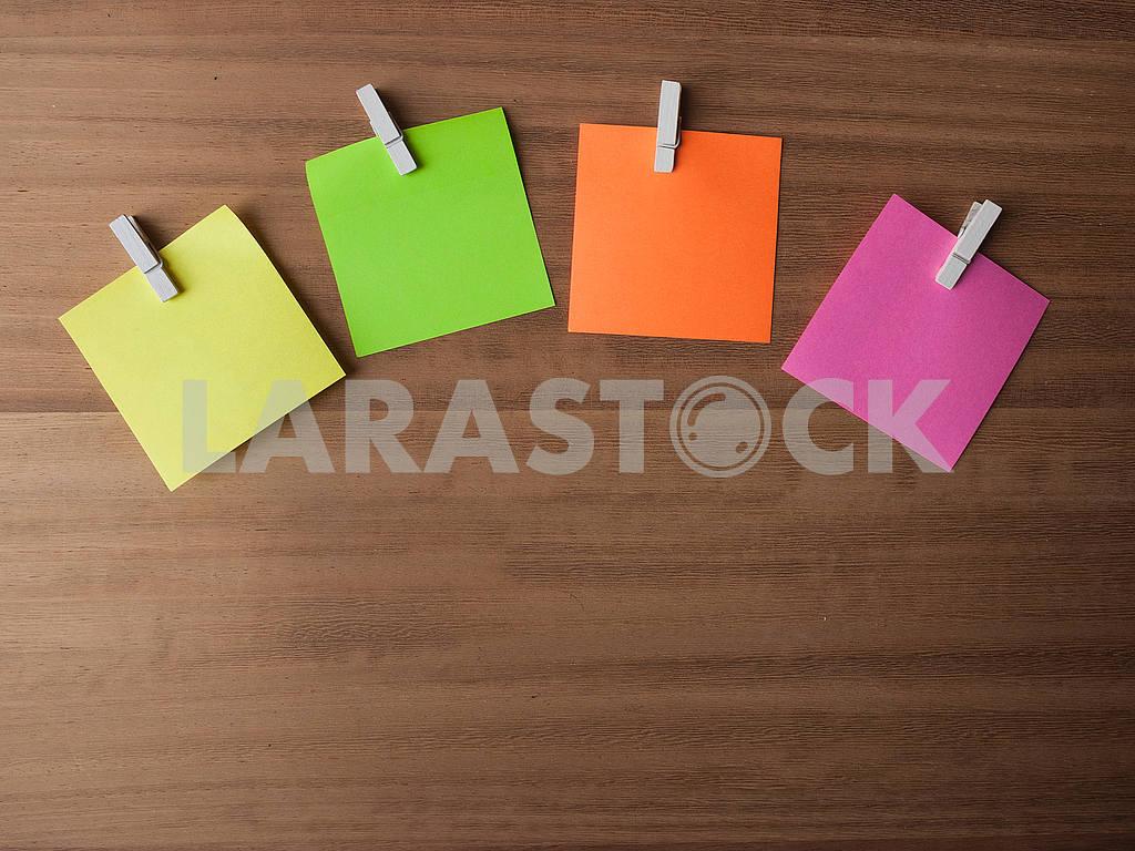 Post It Notes on Pegs On Light Wood — Image 52671
