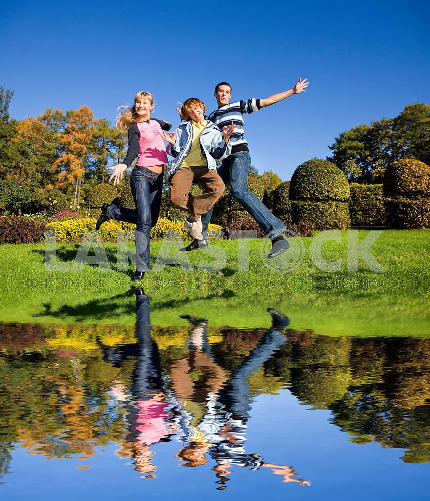 Team winning jump — Image 5307