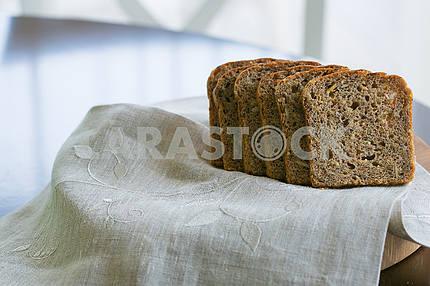 Коричневый хлеб