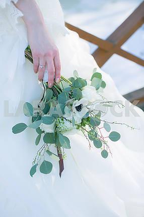 Свадебный букет из белого анемона