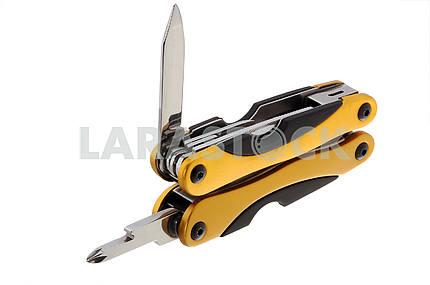 Folding knife presentation