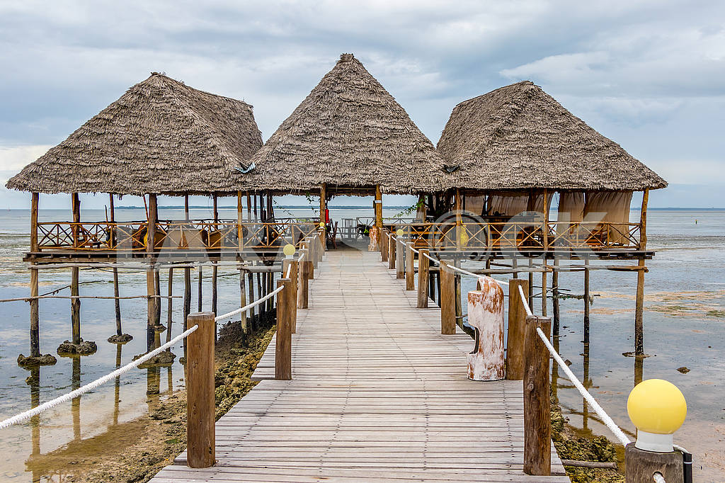 The pier near the ocean in Zanzibar — Image 54018