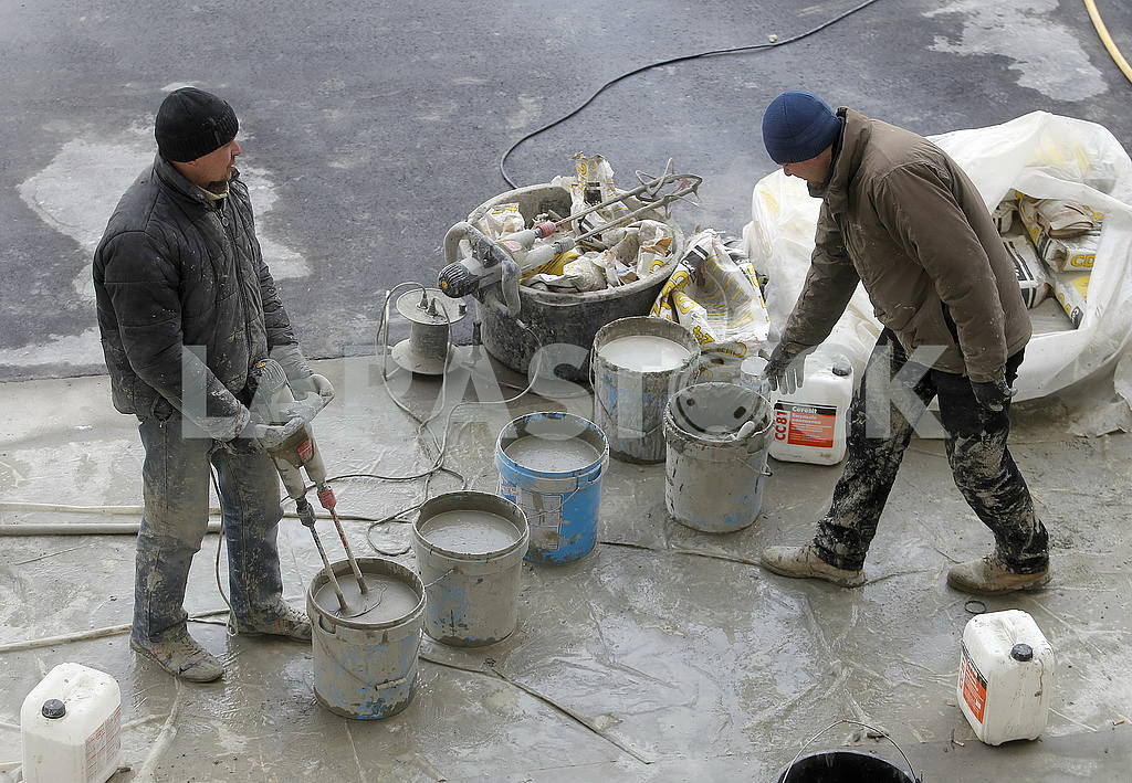Concrete workers on the Kiev cycle track — Image 54136