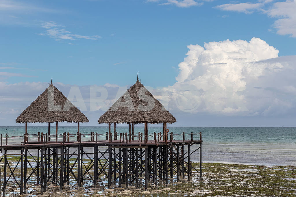 Pier on the shore of the Indian Ocean — Image 54151