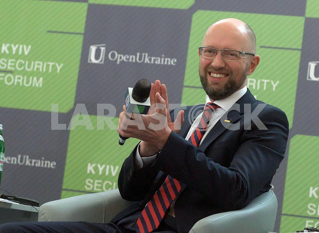 Arseniy Yatsenyuk — Image 54283