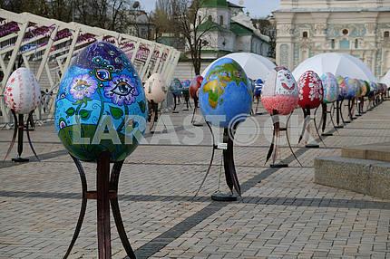 Pisanki on the Sophia Square