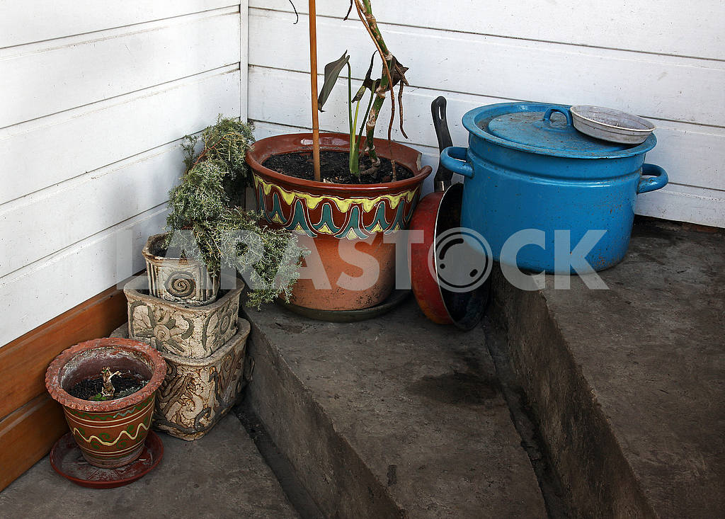 Pots and kitchen utensils — Image 54373
