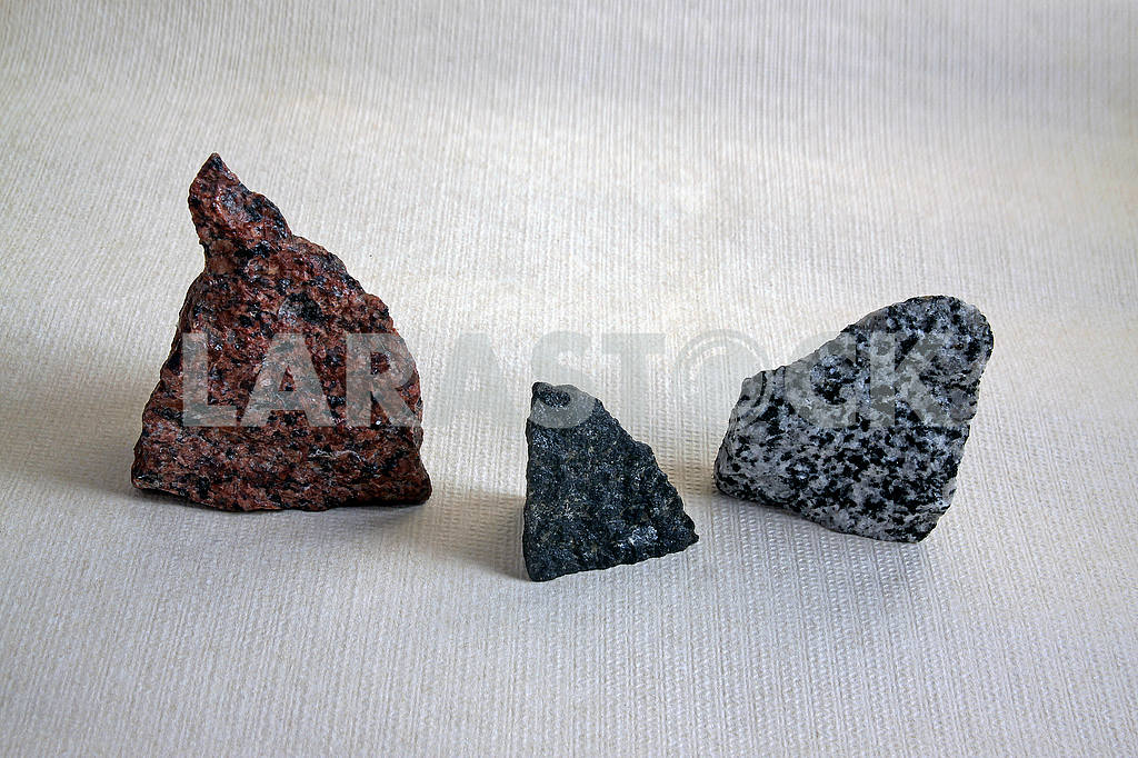 Three pieces of colored granite — Image 54473
