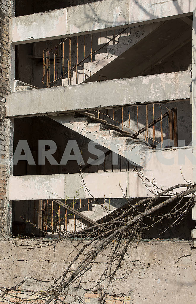 A staircase in a house in Pripyat — Image 54491