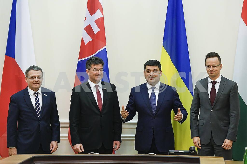 Lubomir Zaoralek, Miroslav Lajcak, Vladimir Groisman and Peter Siyarto — Image 54500