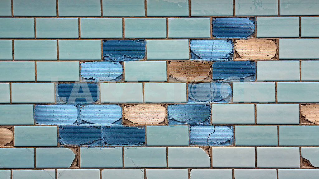 Partially destroyed blue tiles — Image 54712