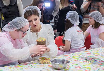Marina Poroshenko and a girl with special needs