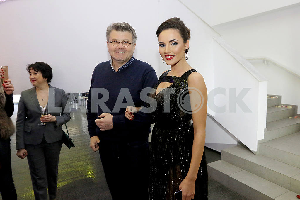 Sculptor Oleg Pinchuk and Miss Ukraine International 2016