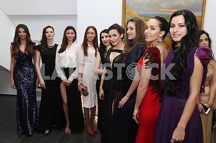 Победительницы «Мисс Украина» приняли участие в проекте «Красота ради добра»