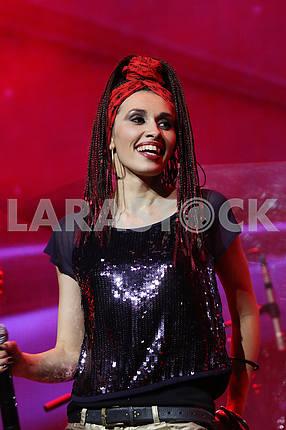 Olga Shanis, singer