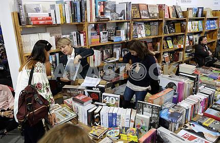 Посетители Книжного Арсенала
