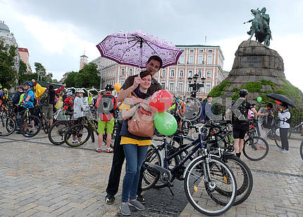 Cyclists on the Sophia Square