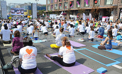 "Yoga session ""Marathon without fuss"" in Kiev"