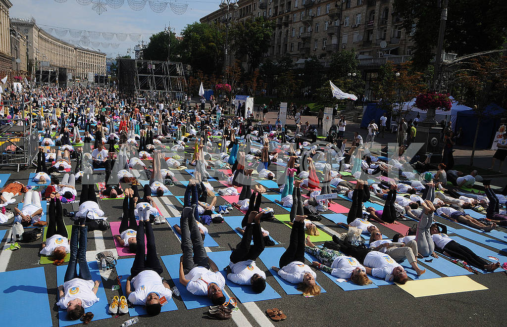 "Yoga session ""Marathon without fuss"" in Kiev — Image 56950"