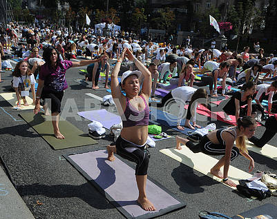 "Yoga session ""Marathon without fuss"" in Kiev"